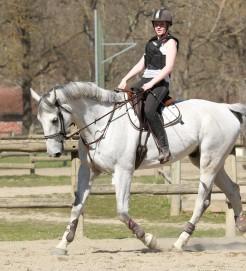 pauline et son nouveau cheval cassidy